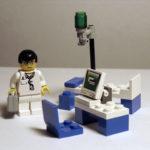 Cirurgia na tela de um smartphone. E por US$ 85
